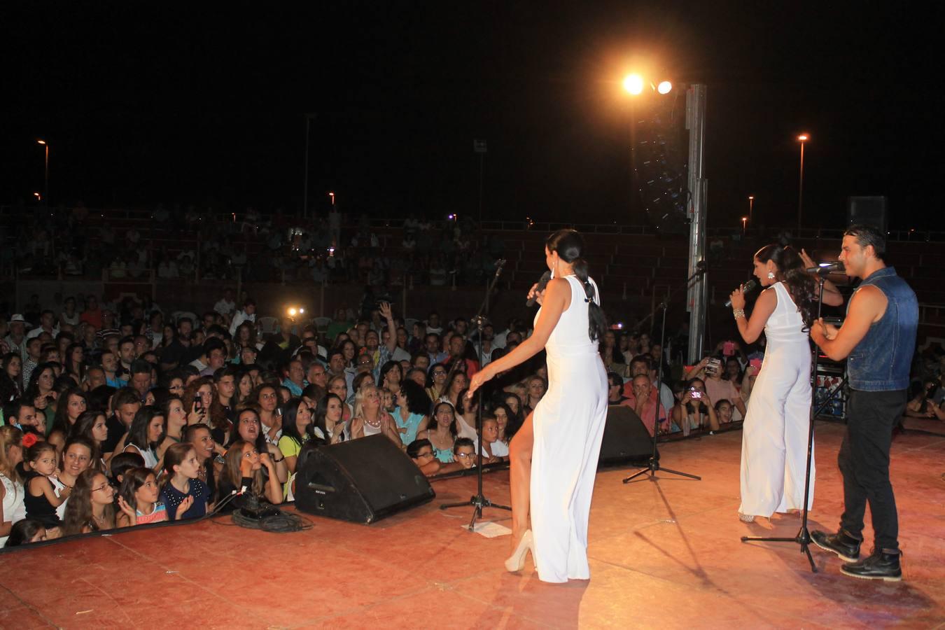 Alrededor de 700 personas presencian el concierto de Azúcar Moreno    valverdedeleganes.hoy.es